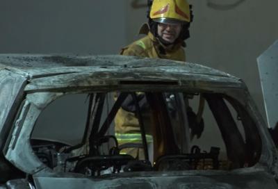 Incendio de vehículos en el solar de la Iglesia Inmaculada