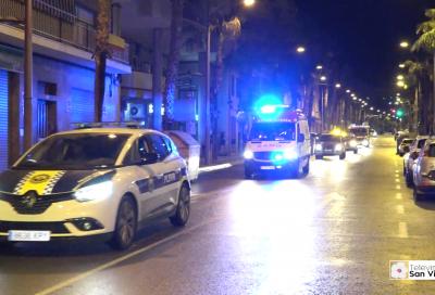 Policía Local, Ambulancias y Bomberos recorren las calles de la localidad