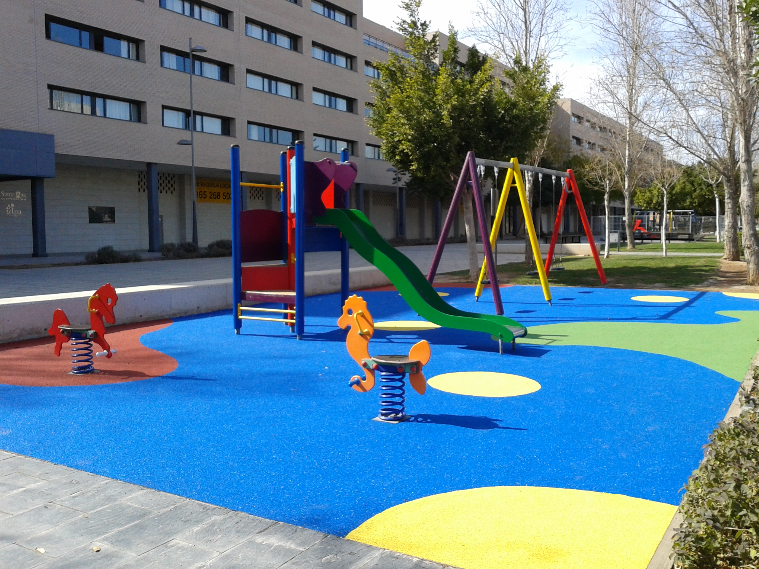 parques y jardines inicia la renovacin de los juegos infantiles en zonas del municipio